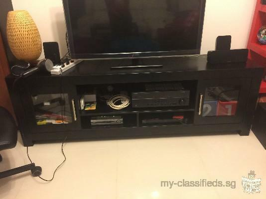TV Console - Extremely good condition, Negotiable