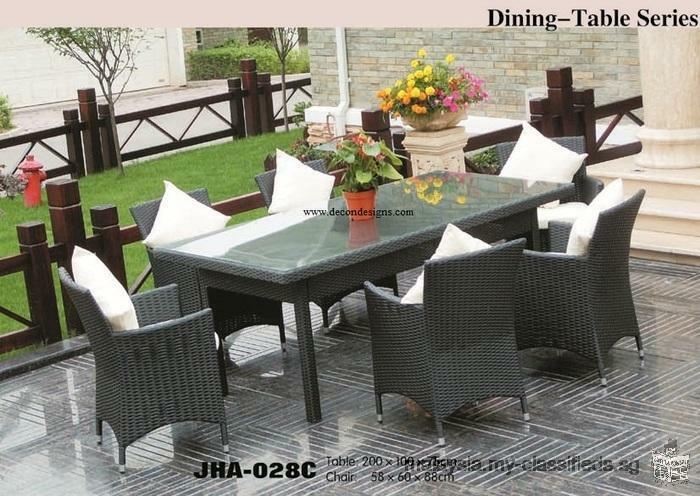Decon outdoor wicker furniture showroom