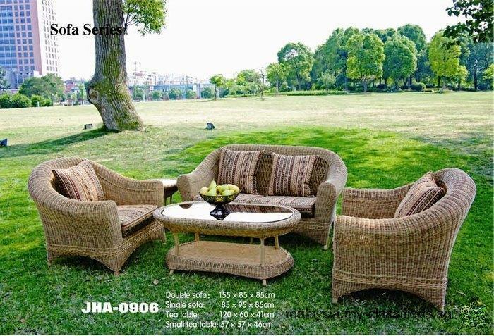 Decon wicker garden furniture