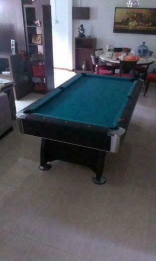 7ft Pool Table For Sale!