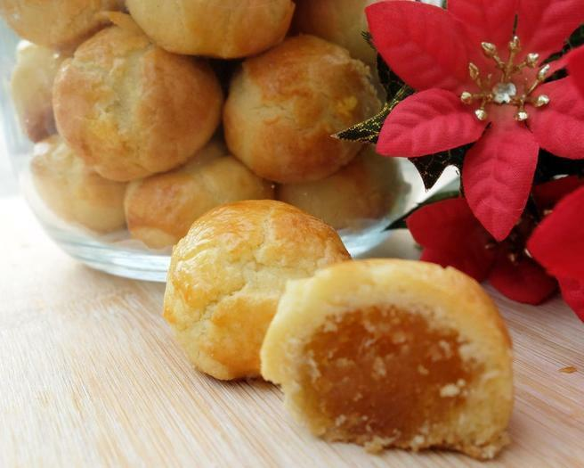 Pine apple tarts, durian puffs and other pastries for sale!