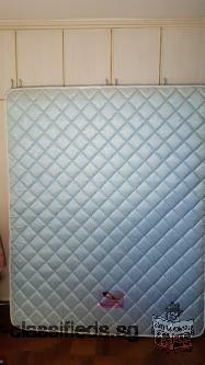 Queen size 6-months used mattress. Good condition. 80